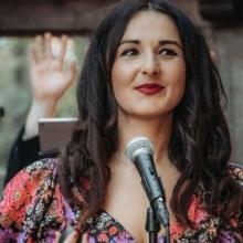 Unsere Sängerin Ana