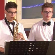 TSJ Dani und Ludwig; Altsaxophon, Bass/Kontrabass
