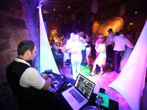 DJ Gorby spielt Firmenjubiläum / Betriebsfeier, Geburtstag, Hochzeit, Kirche / Sakral, Konzert, Open Air / Festival, Club / Disco, Stadtfest, Tanzball / Gala