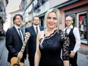 Voice'n Fun spielt Firmenjubiläum / Betriebsfeier, Geburtstag, Hochzeit, Polterabend, Sommerfest, Tanzball / Gala, Vereinsfest und Weihnachtsfeier