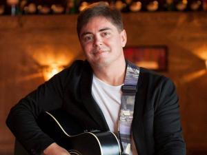 Guitar Ralph spielt Firmenjubiläum / Betriebsfeier, Geburtstag, Hochzeit, Kirche / Sakral, Sommerfest, Stadtfest, Taufe, Trauung und Weihnachtsfeier