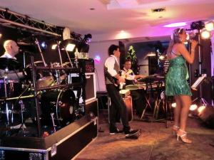 Mi Vida spielt Tanzball / Gala