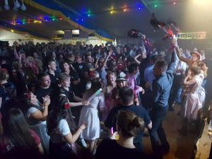 Dance the Funky Chicken spielt Club / Disco, Faschingsball, Firmenjubiläum / Betriebsfeier, Geburtstag, Hochzeit, Open Air / Festival, Polterabend, Sommerfest, Stadtfest, Vereinsfest, Volksfest / Zeltparty und Weihnachtsfeier