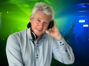 DJ MEIKEL spielt Club / Disco, Faschingsball, Firmenjubiläum / Betriebsfeier, Geburtstag, Hochzeit, Polterabend, Sommerfest, Stadtfest, Tanzball / Gala und Taufe