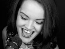 La Buena Voz - Sängerin, Musicaldarstellerin, Gesangslehrerin