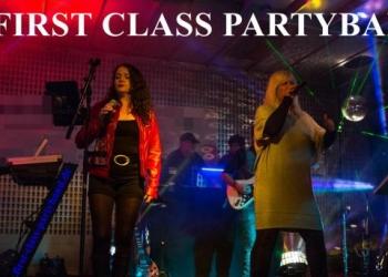 FIRST CLASS PARTYBAND  Music For All Generations spielt Piano/Flügel, Keyboard, Gesang, Saxofon Alt und Gitarre