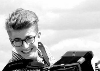 Marcel Baumann spielt Keyboard, Akkordeon / Steirische und Gesang