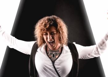 Sängerin- Moderatorin- Sprecherin