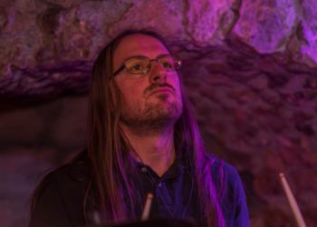 Holger spielt Drums, Saxofon Alt, Saxofon Tenor, Querflöte, Klarinette und Bariton